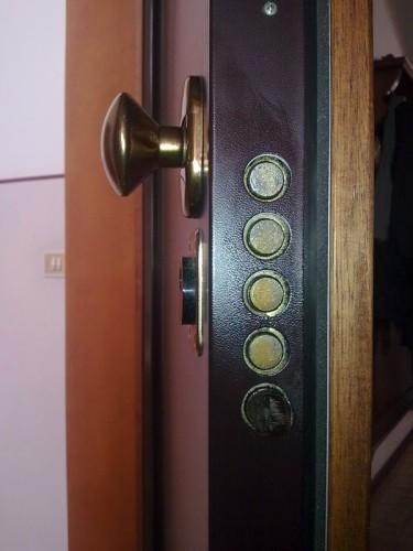 Sostituzione serrature treviso assistenza porte blindate - Cambiare apertura porta frigorifero ariston ...